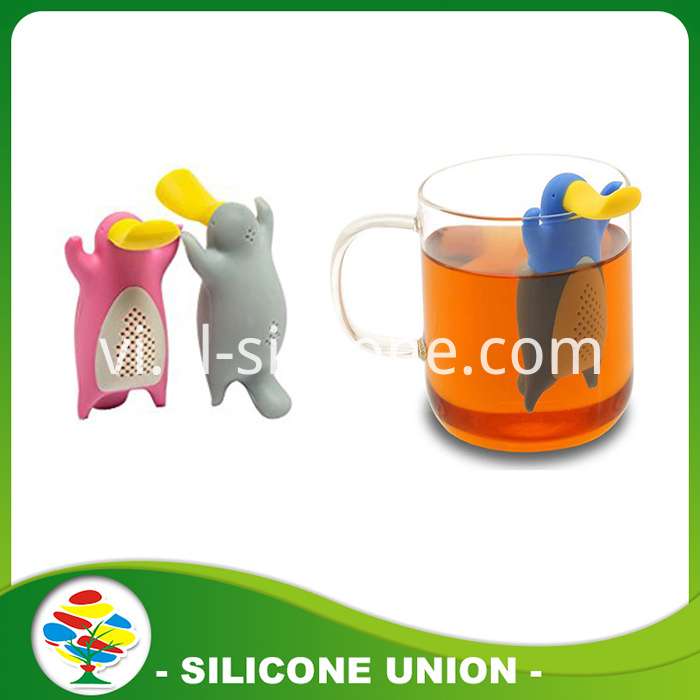 penguin shape tea infuser