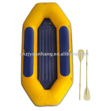 Inflable bote de remos