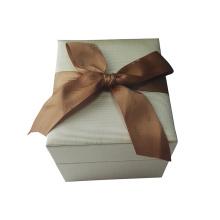 White Ribbon Beautiful Shiny Coated Bracelet Jewelry Boxes