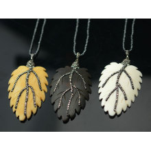 Leave Leaf Pendant Necklace Jewelry