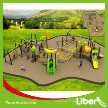 Parc d'attractions Aire de jeux Plastique Outdoor Slide Staging Structure de jeu avec des éléments de thème de fruits