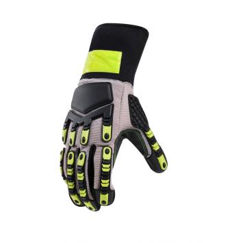 Outdoor oil resistant gloves