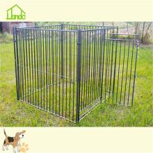 Production de cage pour chien en treillis soudé avec bâche
