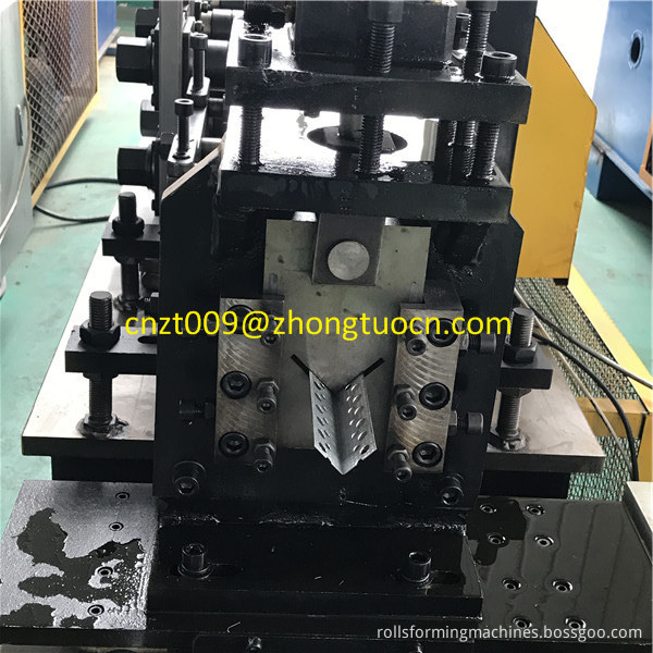 L angle roll forming machine 8