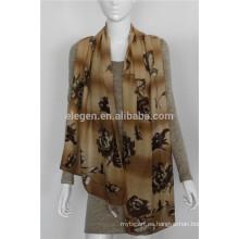 Bufandas mercerizadas con estampado de flores de lana