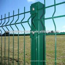 El PVC cubierto y el polvo cubrió la granja del metal diseña el poste de la cerca
