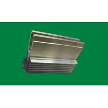 Части CNC подвергая механической обработке анодированный алюминиевый профиль для радиаторов