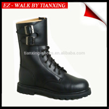 Military boots with black leather and rubber outsole