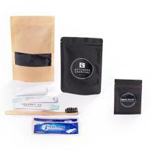 El tesoro de Blackbeard activa el polvo de blanqueador de dientes de carbono