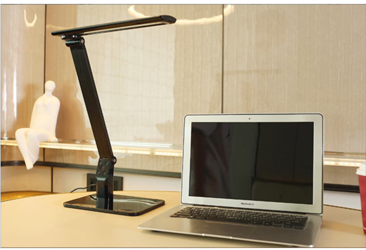 led light source modern desk lamp