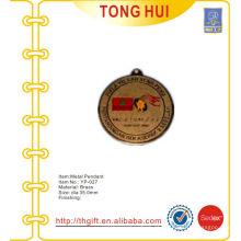 Lembrança personalizado gravado moeda pingente de metal