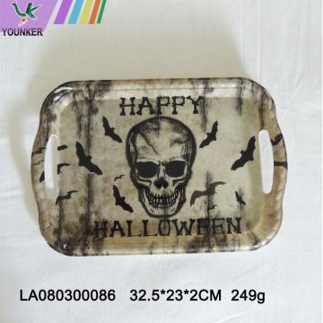 Хэллоуин-тематическая вечеринка с черепными тарелками