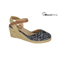 Sandálias de sandálias de espátula Raffia das mulheres