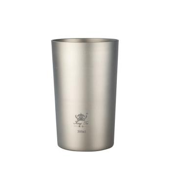 Jarra de cerveza de titanio puro con doble aislamiento