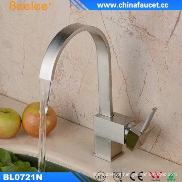 China torneira de água quente instantânea torneira da bacia de lavagem de cozinha flexível