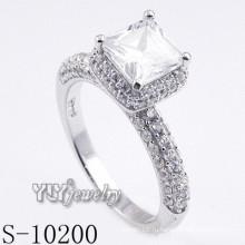 Мода Необычные Rhodium покрытием CZ кольцо с 925 Silver (S-10200)