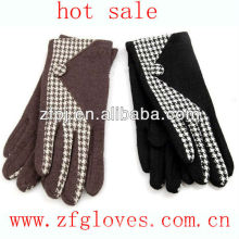 lady wool gloves named fashion houndstooth stud string knit gloves
