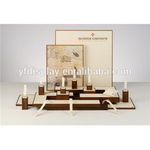 Custom vertical en bois présentoir pour montre