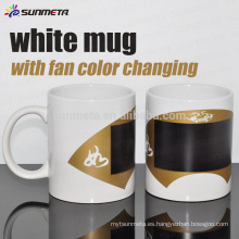 Taza blanca de la sublimación de Sunmeta 11OZ con el color del ventilador que cambia en la venta al por menor del precio bajo de Sunmeta