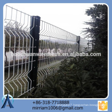 hot sale new design high quality competitive price pvc coated garden fence triangle bending fence