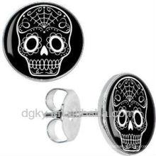 Großhandel schwarze weiße Zuckerschädel-nette Bolzen-Ohrringe