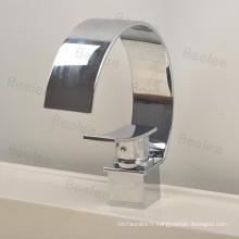 Mélangeur de robinet d'eau de salle de bains de robinet de bassin de cou de forme de chrome C