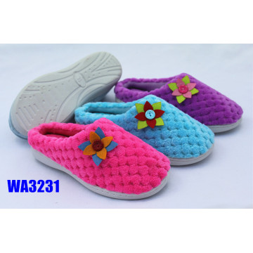 Women's Flower Pompom Velvet Winter Outdoor Slippers