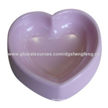 Melamine pet bowl, heart shape, 100% melamine, different colors and appliques are available