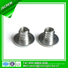 Tuerca de inserto tipo D de acero al carbono galvanizado