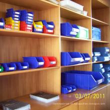 Escaninhos plásticos industriais do armazenamento para a série logística da indústria uma cor vermelha