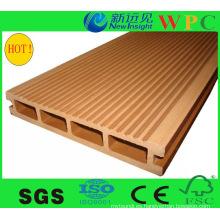Decking compuesto al aire libre popular de WPC con CE, SGS, Stnadard de Europa