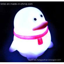 Pingüino de plástico para niños juguete de PVC suave luminoso flash de juguete brillante
