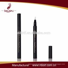 AD9-2, 2015 Crayon pour lèvres liquide liquide noir