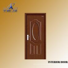 Puerta principal de madera interior
