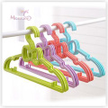 PP Plastic Lovely Bowknot Clothes Hanger Set of 5