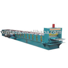 Joint-hidden roof panel roll forming machine machine