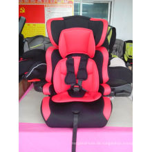 Roter Autositz mit ECE