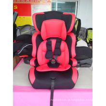 Assento de carro vermelho com ECE