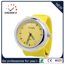 2015 Novo Estilo Charm Silicone Wrist Watch Slap Watch (DC-916)