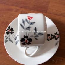 Tasse à thé et soucoupe