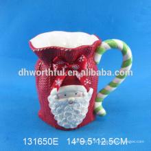 Caneca cerâmica feita sob encomenda do Natal com forma de Papai Noel
