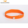 860-960MHZ justierbares Silikon Rfid Wristbands Armband