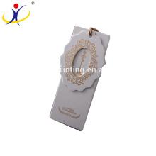 Étiquette de coup de carte d'étiquette de vêtement adaptée aux besoins du client à bas