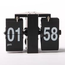 Reloj de pared LED de tamaño mini con tarjetas rectangulares