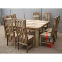 Conjunto de jantar de madeira natural