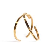 Kostenlose Probe Edelstahl Metall Gravierte inspirierende Manschette Mantra Armbänder für Frauen