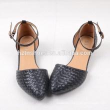 2015 nouveaux chaussures de mode de printemps chaussures en sandales douces à tisser noir à bas talon