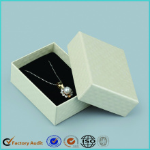 White+Jewelry+Packaging+Box+Necklace
