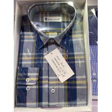 Camisa de manga comprida em tecido xadrez tingido de fio de algodão