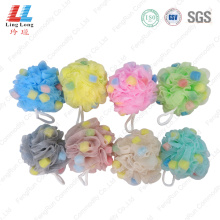 Helpful lace blotting sponge ball